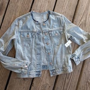 GAP NWT Collarless Jean Jacket Size Small